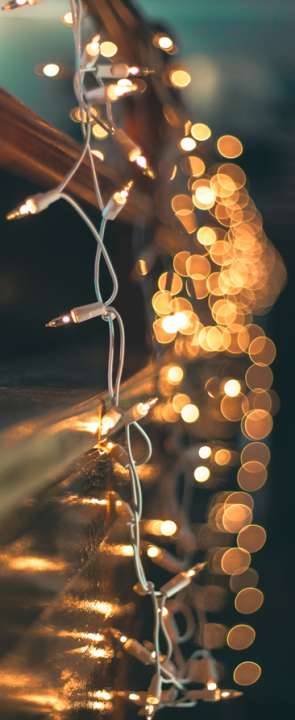 Replace your Christmas decorations with ligths